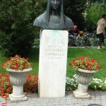 Batsányiné Baumberg Gabriella Szobra