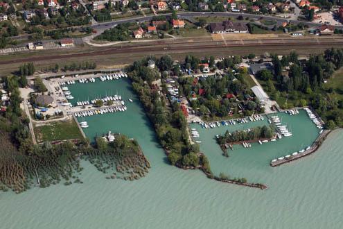 KDT Környezetvédelmi és Vízügyi Igazgatóság kikötője Alsóörs