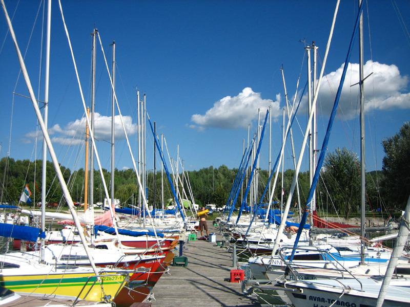Balatonaligai Horgász Egyesület kikötője
