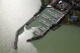 BH Zrt. Vitorláskikötő Balatonlelle, Móló sétány