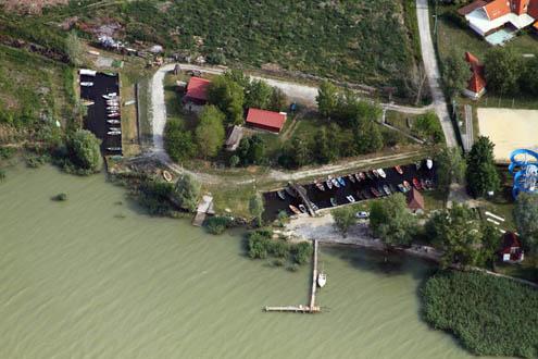 Horgász és Vizisport Egyesület kikötője