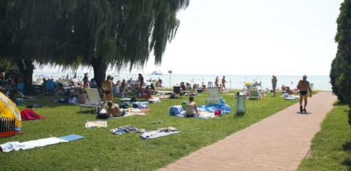 Alsóörs - Községi strand