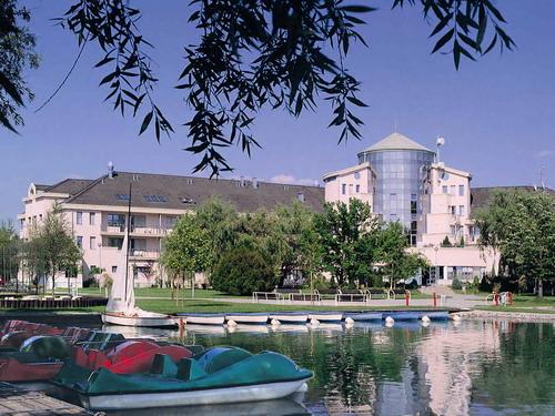 Telekom Hotel csónakkikötő