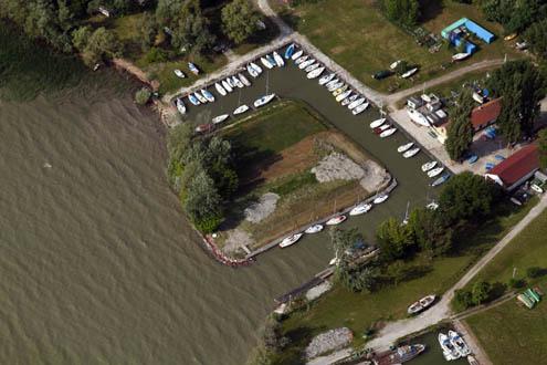 Yacht Club (KYC) kikötője