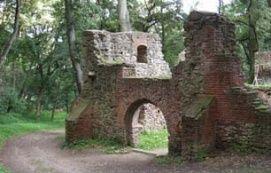 Templom és Kolostorrom