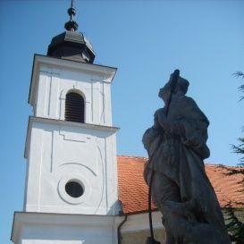 Római Katolikus Plébániatemplom és Szent Vendel szobor